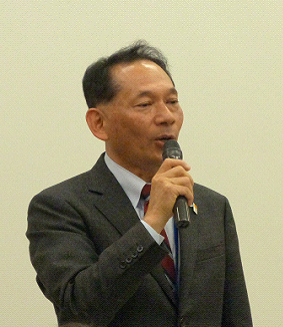 写真1. 第1回目訪問時(12/19(木))の冒頭,私たちの訪問に対する歓迎のご挨拶をいただいた代表取締役社長の工藤広太様です。
